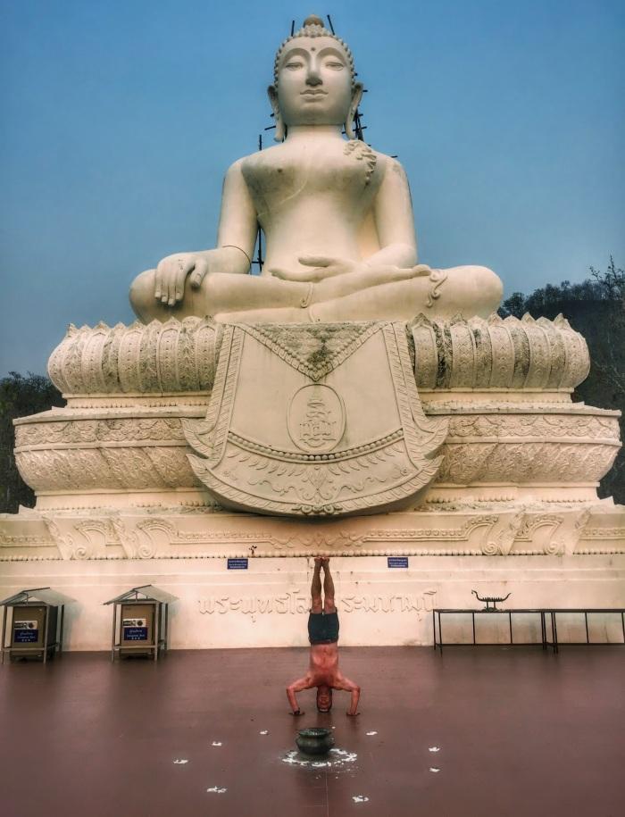 Buddha headstand